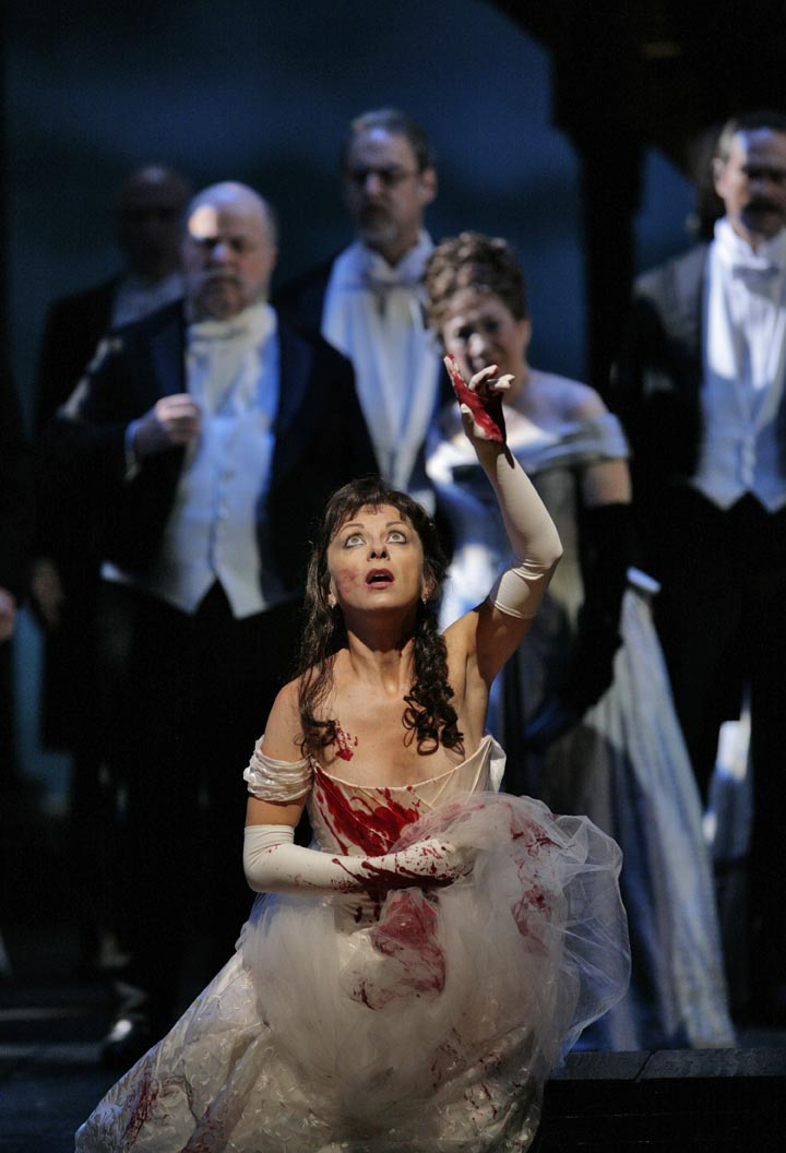 lucia di lammermoor met natalie dessay Lucia di lammermoor, with french soprano natalie dessay in one of her greatest roles as donizetti's fragile heroine, will air on great performances at the met sunday, june 26 at 12 pm et on pbs (check local listings.